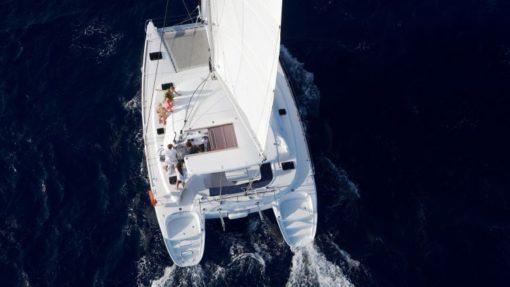 : Isabella Yachts: Lagoon 380 Exterior3