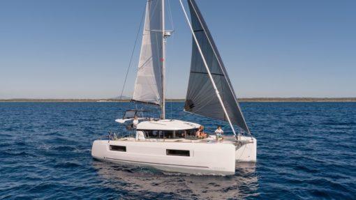 Isabella Yachts: Lagoon 40 PAPI-7